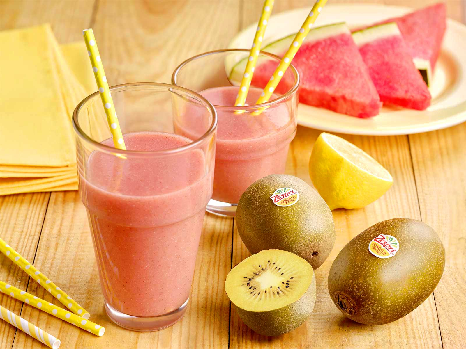 week32_Watermelon_and_SunGold_Kiwifruit_smoothie_final.jpg